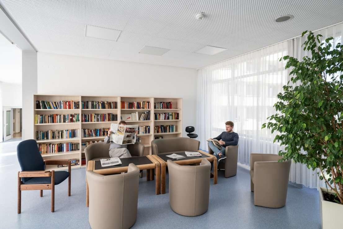 Unsere Bibliothek – Rehaklinik
